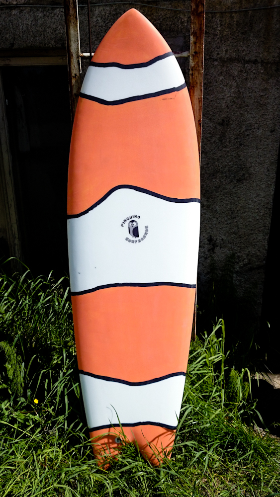 Pinguino Surfboards paint works
